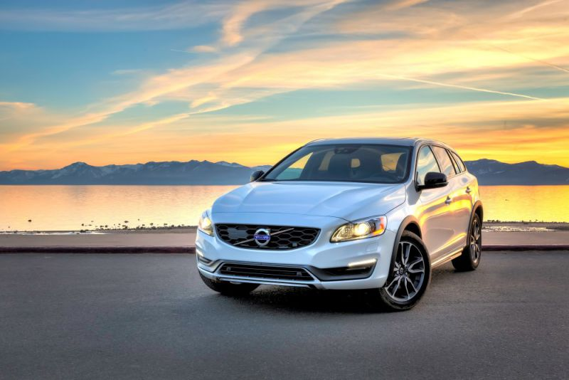 volvo v60 cross country 2 0 d4 190 hp. Black Bedroom Furniture Sets. Home Design Ideas
