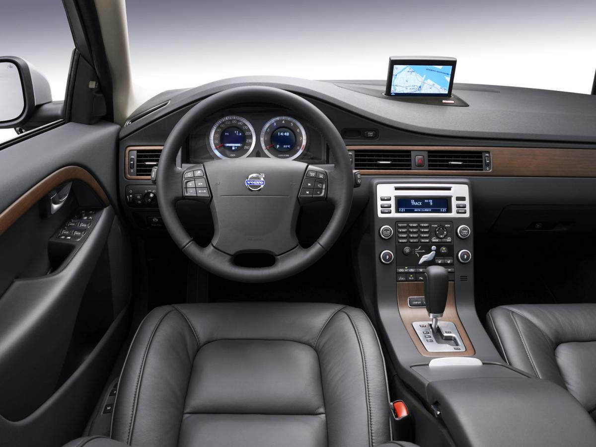 Volvo V70 Technical Specifications And Fuel Economy