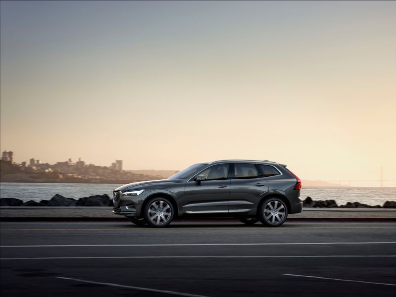 volvo xc60 ii 2 0 t8 407 hp hybrid awd automatic. Black Bedroom Furniture Sets. Home Design Ideas
